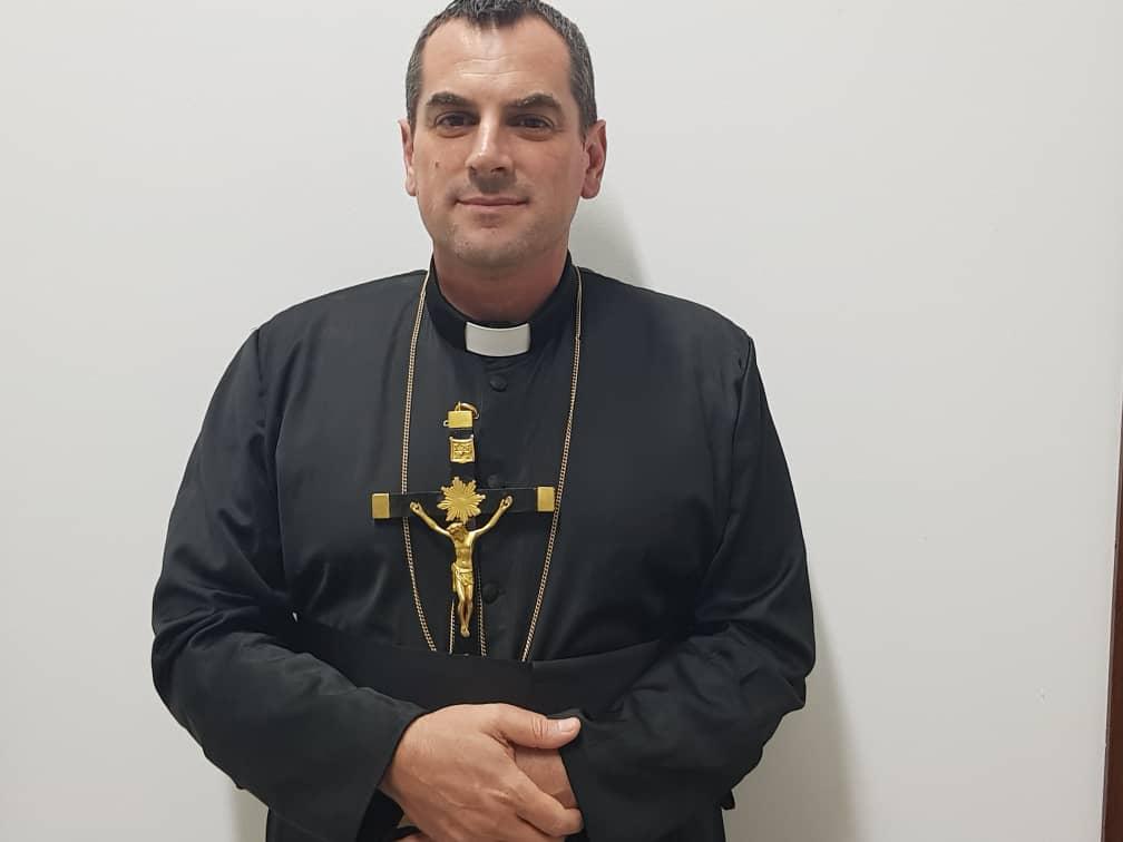 priest-img-2